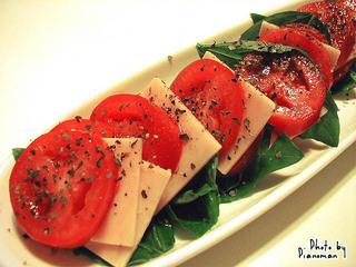 イタリアントマトとバジルの前菜